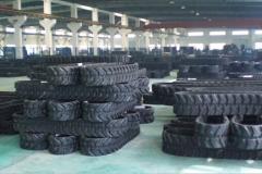 rubber-tracks-warehouse